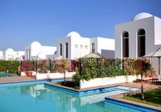 Het huis van de luxe met zwembad. Stock Afbeelding