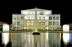 Het huis van de opera in Leipzig bij nacht Royalty-vrije Stock Foto's