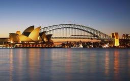 Het Huis van de Opera van Sydney en de Brug van de Haven Stock Foto's