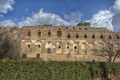 Het huis van de oude Roman ruïnes, een deel van de Unesco-Plaatsen van de Werelderfenis Het wordt gevestigd dichtbij Napels royalty-vrije stock foto