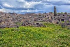 Het huis van de oude Roman ruïnes, een deel van de Unesco-Plaatsen van de Werelderfenis Het wordt gevestigd dichtbij Napels royalty-vrije stock foto's