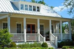 Het Huis van de plattelandshuisjestijl Stock Afbeelding