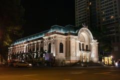 Het Huis van de Saigonopera bij Nacht stock foto