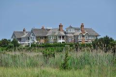 Het huis van de zomer op het strand Stock Afbeeldingen