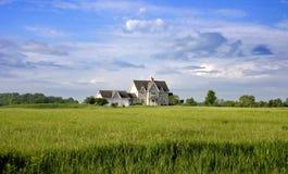 Het Huis van het land met Land Royalty-vrije Stock Foto