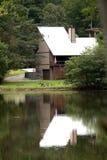Het huis van het meer Royalty-vrije Stock Afbeeldingen
