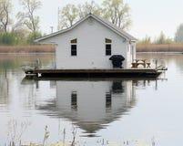 Het huis van het meer Stock Afbeeldingen