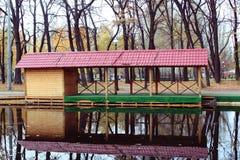 Het huis van het meer Stock Foto's