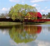 Het huis van het meer royalty-vrije stock afbeelding