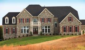 Het Huis van het miljoen dollar in de Rijke Voorstad van Virginia Royalty-vrije Stock Afbeelding