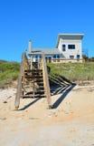 Het huis van het strand op de kust van Florida Royalty-vrije Stock Foto's