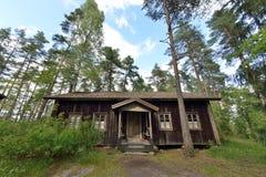 Het huis van het wildernisplattelandshuisje Stock Foto's