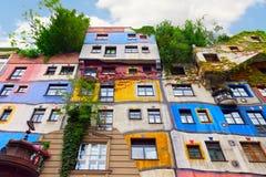 Het Huis van Hundertwasser in Wenen, Oostenrijk. Royalty-vrije Stock Foto's