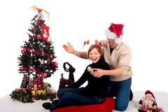 Het huis van Kerstmis van het paar stock foto's
