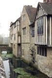 Het Huis van Moated Royalty-vrije Stock Fotografie