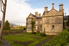 Het Huis en de Tuinen van Muckross. Killarney. Ierland Stock Afbeelding