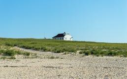 Het Huis van het strand in de Zomer Stock Afbeelding