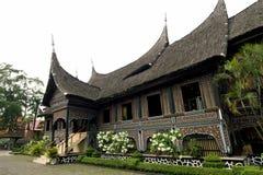 Het huisstijl van Minangkabau batak royalty-vrije stock afbeeldingen