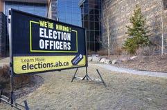 Het huren Teken Alberta Springtime Elections Town van Canmore stock fotografie