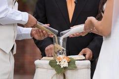 Het huwelijksceremonie van het zand Stock Foto's