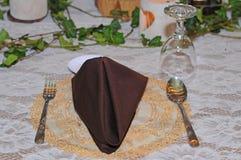 Het huwelijksdag van de eettafeldecoratie Stock Fotografie