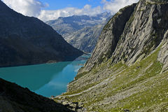 Het hydro-elektrische Meer Gelmersee van het waterreservoir Royalty-vrije Stock Foto's