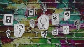 Het idee in vragen stock videobeelden