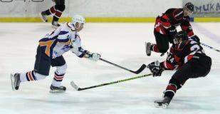 Het ijshockeygelijke van Donbass van Kharkov- stock foto