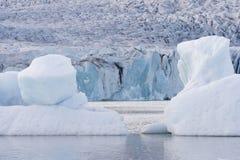Het ijsstromen van de gletsjer Stock Foto