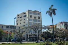 Het inbouwen van het centrum van Havana met portretten van Che Gevara, Fidel Castro en Camilo Cienfuegos royalty-vrije stock afbeeldingen