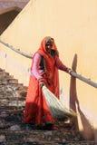 Het Indische Vrouw Vegen Royalty-vrije Stock Foto