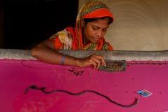 Het Indische Vrouw weven Royalty-vrije Stock Afbeeldingen