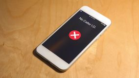Het inkomende telefoongesprek van geen bezoekersidentiteitskaart wordt genegeerd stock footage