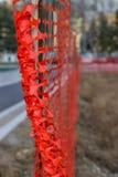 Het installeren van Bouw Mesh Safety Fence Stock Foto's