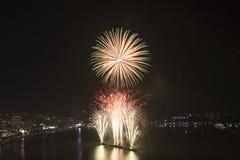 2015 het Internationale de brandwerk van Pattaya Royalty-vrije Stock Foto's