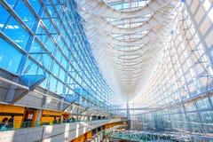 Het Internationale Forum van Tokyo - een multifunctioneel tentoonstellingscentrum in Tokyo, Japan royalty-vrije stock afbeeldingen