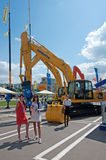 Het internationale materiaal van de tentoonstellingsbouw en technologieën op 06 JUNI, 2013. Moskou, Rusland. Stock Afbeelding