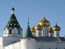 Het Ipatiev-Klooster in Kostroma-stad, Rusland stock foto