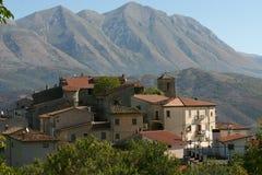 Het Italiaanse dorp van de middeleeuwen Stock Foto's