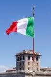 Het Italiaanse vlag blazen Royalty-vrije Stock Afbeeldingen