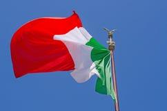 Het Italiaanse vlag blazen Royalty-vrije Stock Foto's