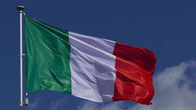Het Italiaanse vlag golven stock footage