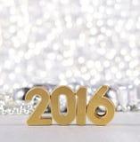 het jaar gouden cijfers van 2016 en zilverachtige Kerstmisdecoratie Royalty-vrije Stock Foto's