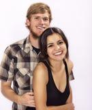 Het jonge aantrekkelijke paar glimlachen royalty-vrije stock foto