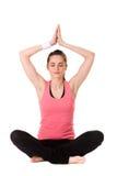 Het jonge aantrekkelijke wijfje in yogameditatie stelt royalty-vrije stock fotografie