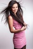 Het jonge aardige Aziatische meisje stelt in studio. Royalty-vrije Stock Fotografie