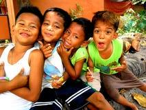 Het jonge Aziatische kinderen glimlachen stock fotografie