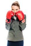 Het jonge Bedrijfsvrouw in dozen doen Royalty-vrije Stock Foto