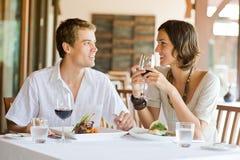 Het jonge Dineren van het Paar Stock Foto