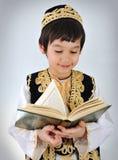 Het jonge geitje moslim van Posetive royalty-vrije stock afbeeldingen